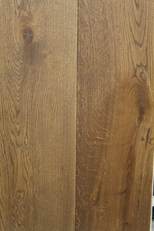 Fine Wide Engineered Oak Wood Flooring with Brown Hardwax Oil Finish 220mm Widths x 20mm Thickness x 2400mm Lengths available from Original Oak Flooring Showrooms Wiltshire. P.ILEE-WALNUTSTAKI