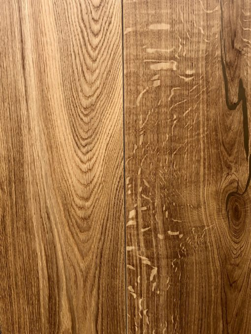 Fine Wide Engineered Oak Wood Flooring with Clear Natural Lacquered Finish 220mm Widths x 20mm Thickness x 2400mm Lengths available from Original Oak Flooring Showrooms Wiltshire. P.IUEE-BPLACSTAKI